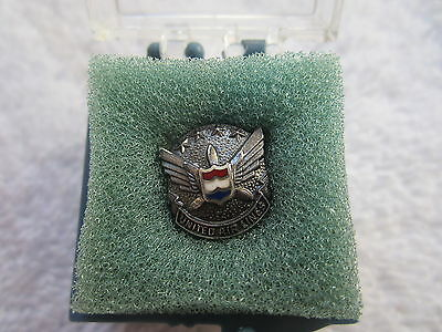United Airlines years of service pin/tie tac, silver