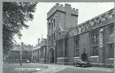 Old Postcard    Bedford  Modern School    Bedford      Not Posted