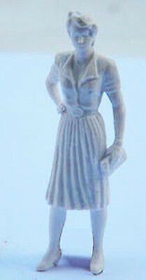 1/22.5 - 1/24 Preiser G Scale UNPAINTED Standing Figure Avril!