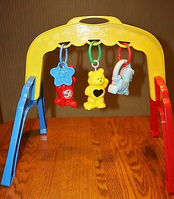 Vintage Fisher Price Activity Gym Baby Infant Play 1990 Links Kick Toy