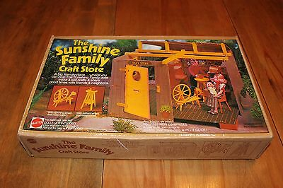 Vintage The Sunshine Family craft store (1975) New and complete