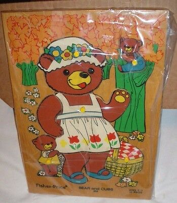 Vintage 1970s FISHER-PRICE BEAR & CUBS #506 Wood Peg Puzzle Made in Holland VGC