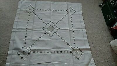 VINTAGE WHITE LACE & PULLED THREAD WORK  TABLECLOTH 50 x 50 inches