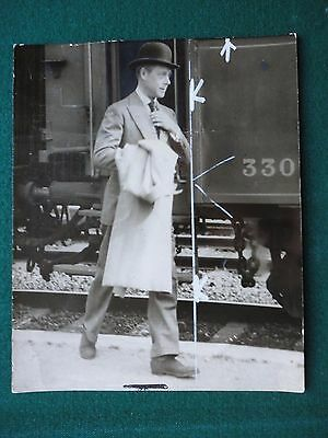 Antique Press Photo Duke of Windsor 1937 Leaving Train in Venice Italy