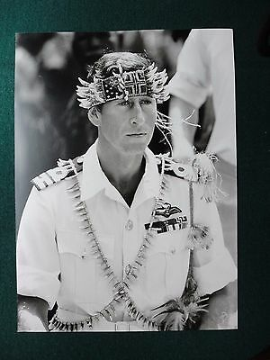 Fine Press Photo of Prince Charles in Papua New Guinea 1984