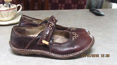 El Naturalista women's size 8 leather Mary Jane shoes with velcro strap brown