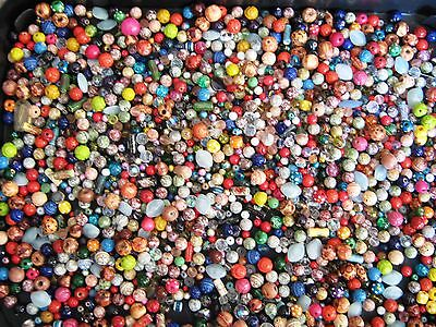 COLLECTION OF LOOSE BEADS (JUST OVER 1 KILO) see pictures