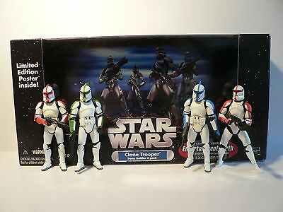 STAR WARS Clone Trooper Army Builder (4x Officer clean) + Poster- EPISODE II