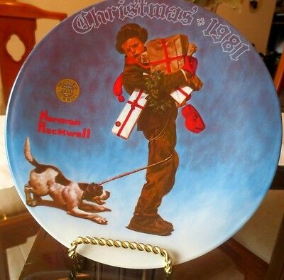 *WRAPPED UP IN CHRISTMAS* - 1981 8th KNOWLES CHRISTMAS PLATE - ROCKWELL XMAS GIF