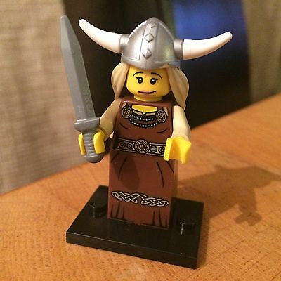 Lego minifigure Viking Woman Series 7