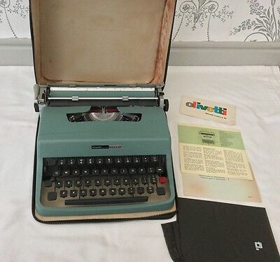 Vintage Portable Olivetti Lettera 32 Typewriter and Case