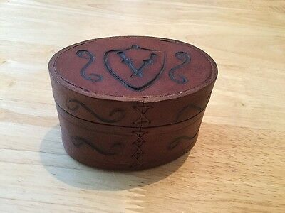 Vintage Oval Leather Shaker Box. Cufflink Or Jewellery Travel Box.