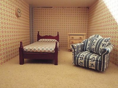 Dolls House Furniture Items..bedroom  1/12Th Scale