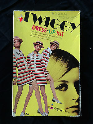 Vtg Twiggy 1967 Colorforms Dress-Up Kit~Mattel~Minnow Col, Ltd~Mod London Model
