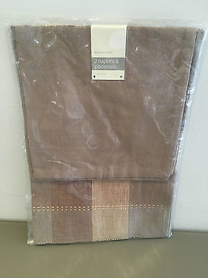 Debenhams 2 Napkins & Placemats Set 100% Cotton. Brand New In Packaging