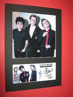Green Day A4 Photo Mount Signed Pre-Printed Billie Joe Armstrong Ticket Cd
