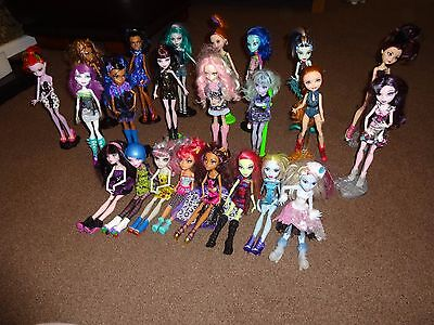 Monster High Bundle - 23 Dolls - Loads Of Accessories - Books