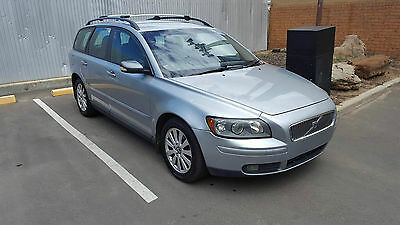 2006 VOLVO V50 Wagon Auto 2.4L 195kms GOING CHEAP CLEAR TITLE LIGHT HAIL