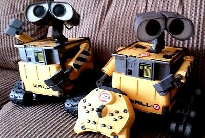 "Disney Pixar Wall E Robot 9"" Electronic Interactive Toy Figures With Remote"