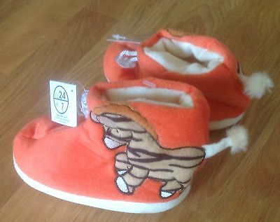 KIDS - HOME - SLIPPERS- SIze 7 - NEW WTAGS.