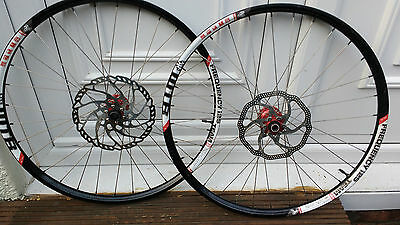Hope Pro 2 Evo Hubs on WTB Frequency i25 rims 26""