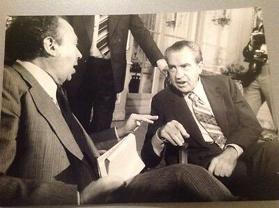 RICHARD NIXON   - PHOTO DE PRESSE 18x13cm