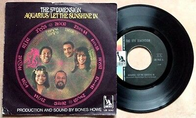 """THE 5th DIMENSION / AQUARIUS - LET THE SUNSHINE IN - 7"""" (printed in Italy 1970)"""