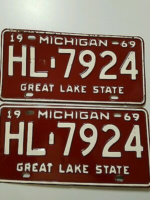 Nice Matching Pair 1969 State Of Michigan License Plate Plates Free Ship