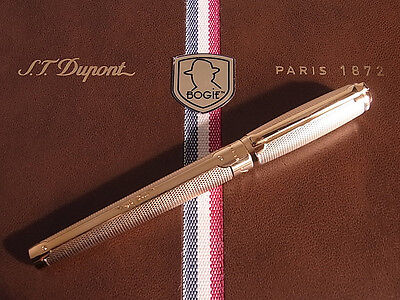 S.T. Dupont Edition Thematique Bogie Fountain Pen Gold Plated
