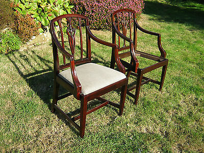 Pair of Open Armchairs (Carvers) - Mahogany