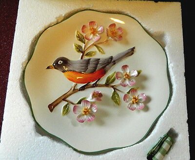 """3-D, 9.5""""  Robin Bird Plate by Kate McRostie Expressly for Valerie"""