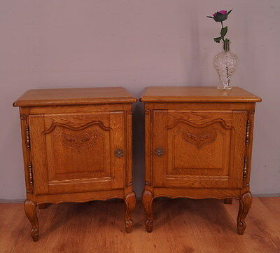 1172 !! Superb Oak Bedside Tables In Louis Xv Style !!