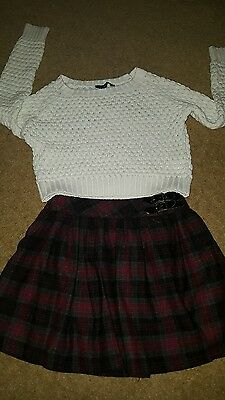 girls outfit age 8 -9 years jumper & skirt Xmas