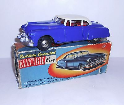 Vintage 1950`s battery operated toy car with box Louis Marx