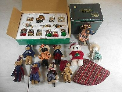 Lot of 20++ Boyds Bears Holiday Christmas Ornaments