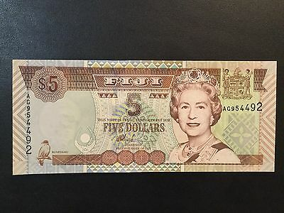 2002 Fiji Paper Money - 5 Dollars Banknote !