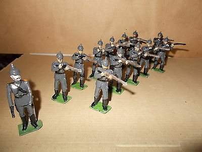 Painted Metal Ww1 German 2Nd (A) Rifle Regt 14 Soldiers & Officer- 54Mm Approx