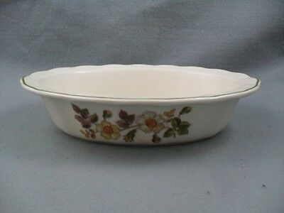 Marks & Spencer Autumn Leaves Oval Fluted Serving / Pie Dish