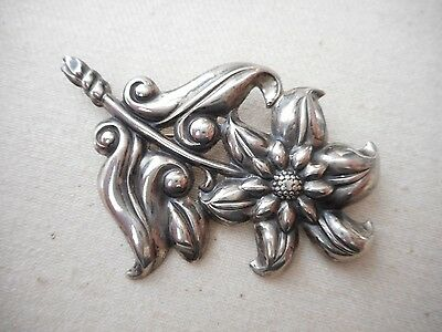 Vintage Sterling Silver Repousse Star Flower Brooch     215101