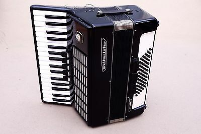 Very Nice German Accordion Weltmeister Stella 60 bass Including Case.