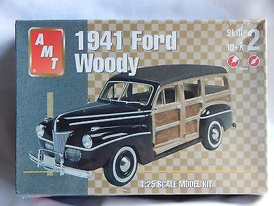 AMT 1941 Ford Woody Model Kit
