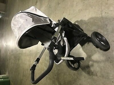 Steelcraft Strider Plus 3 wheel Stroller + Capsule