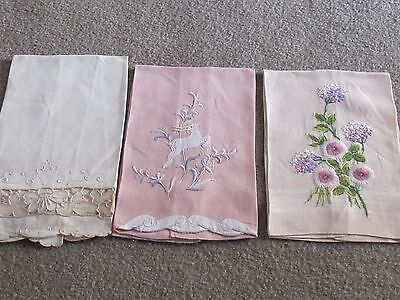 Vintage Lot Linen Tea Hand Towels Embroidered Flowers Bows Reindeer Cut Out