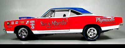 1969 1/2 Plymouth Roadrunner Sox & Martin #10 1:18 Auto World 5281
