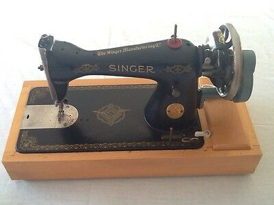 Vintage Antique Singer Hand Crank Sewing Machine with case