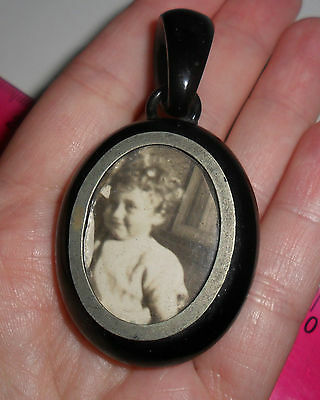 Vintage antique Victorian Whitby jet photo locket in perfect condition