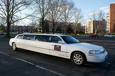 2007 Lincoln Town Car Executive Sedan 4-Door 2007 Lincoln Town Car Executive L Super Stretch DaBryan Limousine White like new