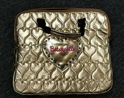 Betsy Johnson Betsyville gold heart laptop case
