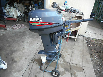 """/evinrude  Outboard 25 Hp 20 """" Shaft With Battery Recharge Fuel Tank & Lead"""