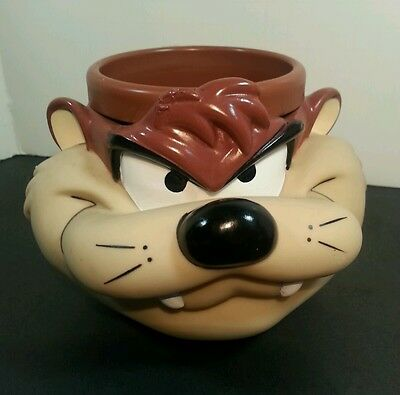 Vintage Promotional Partners 1993 Wile E. Coyote Plastic mug cup Looney Tunes